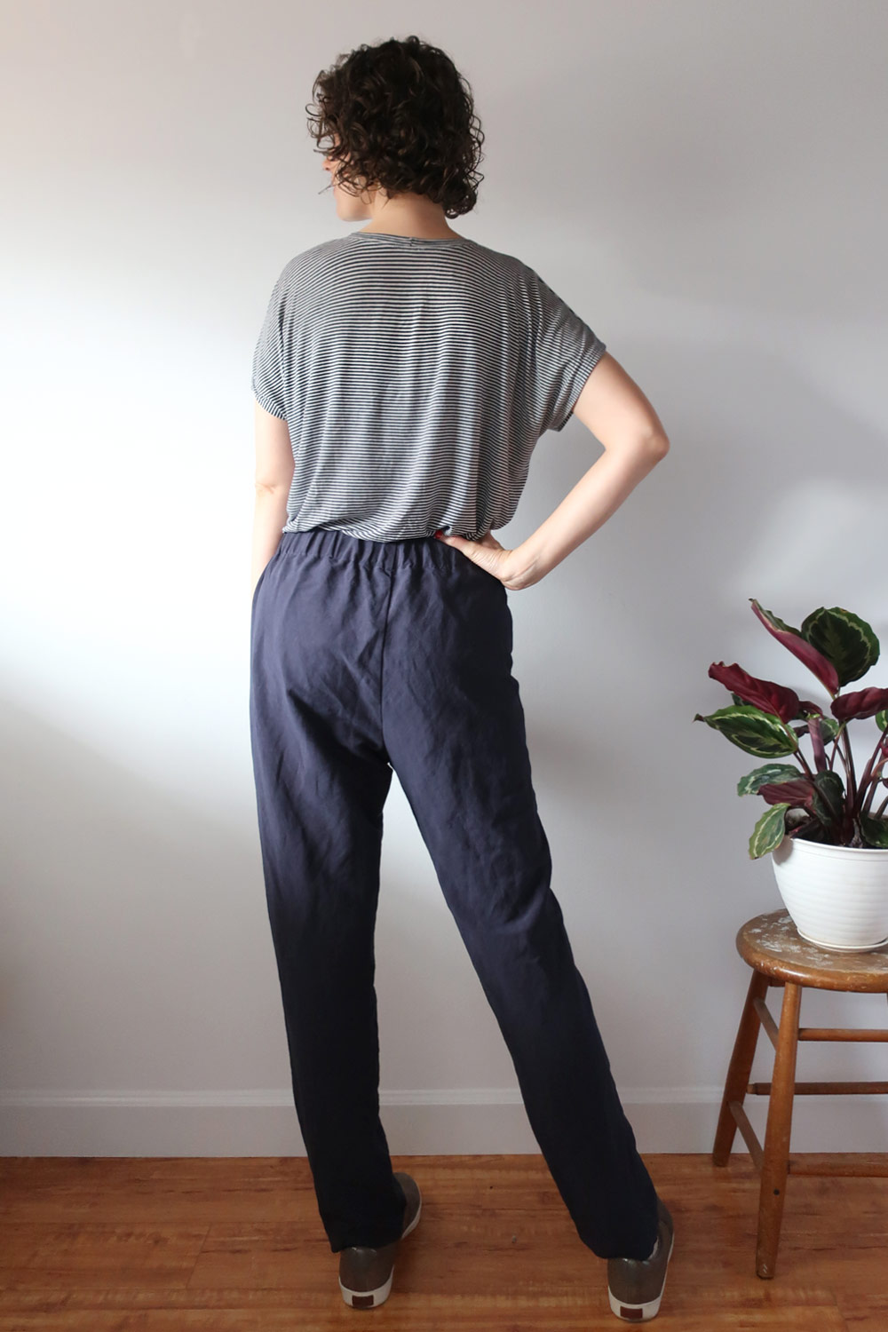 DIY Pleated Pants – Review of the Calyer Pants pattern by French Navy | Sew DIY