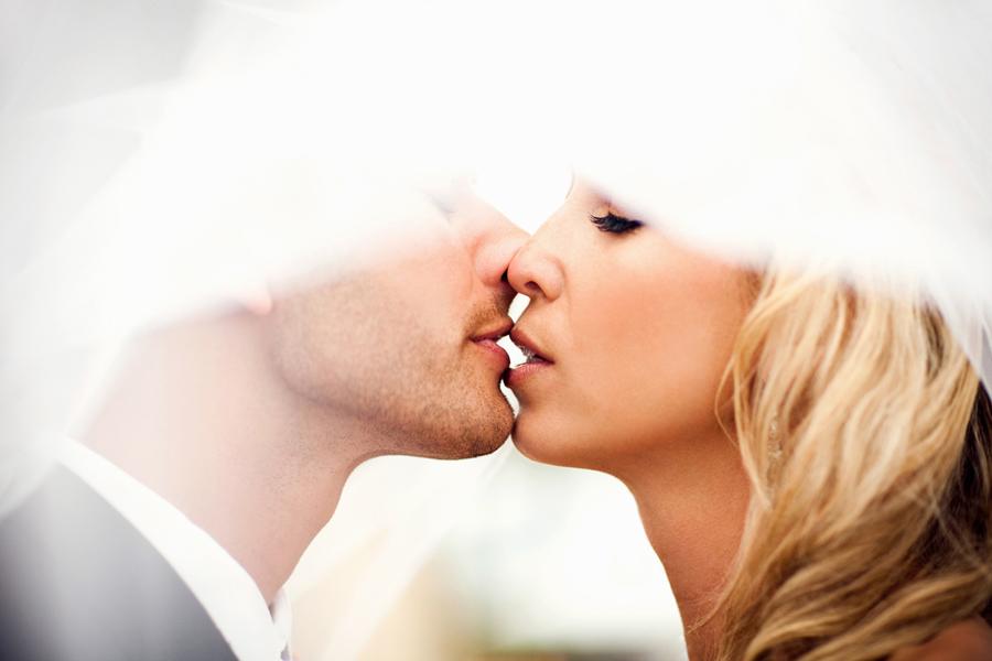 Kiss_Ben_Sasso1.jpg