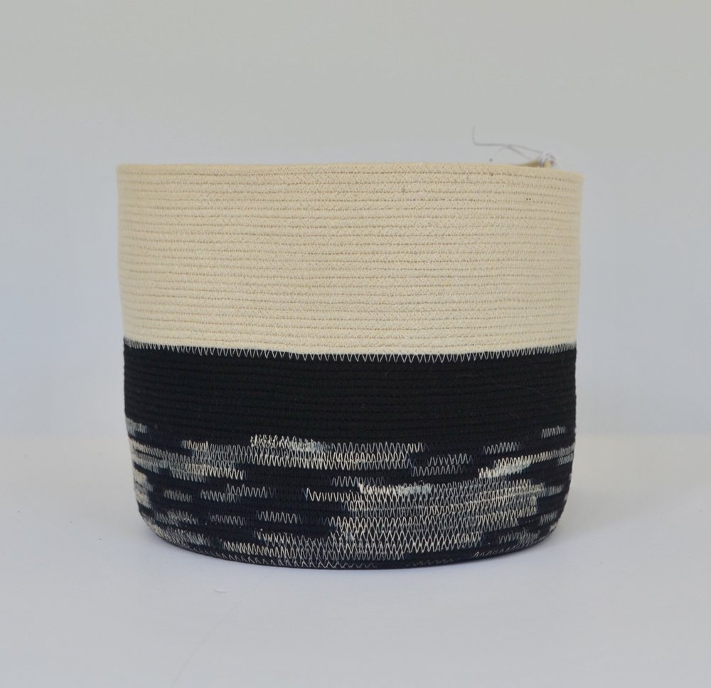 bucket - regular     4 x 6    $18widetall black+white / jute / stripe