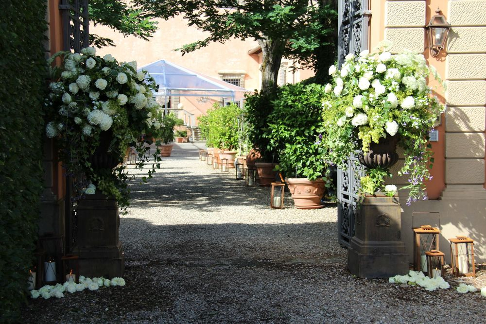 credit: Tuscany Flowers Florence