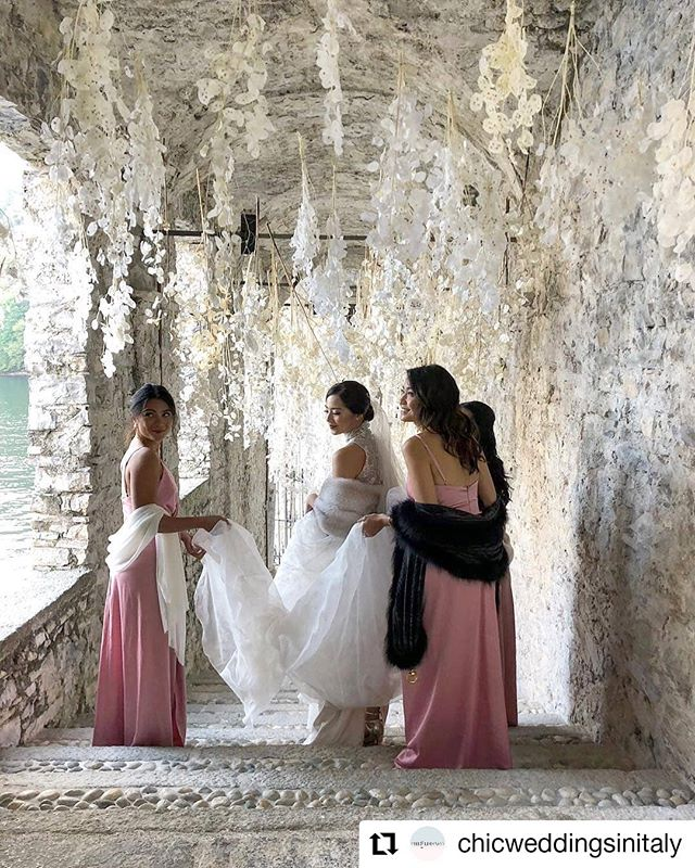 Lunaria and its ethereal soul for an autumn wedding in Como lake Repost @chicweddingsinitaly Location @villapliniana Wedding planner @chicweddingsinitaly Floral designer @tuscanyflowers #weddingflowers #weddingdetails #luxurywedding #comolake #weddingcomo