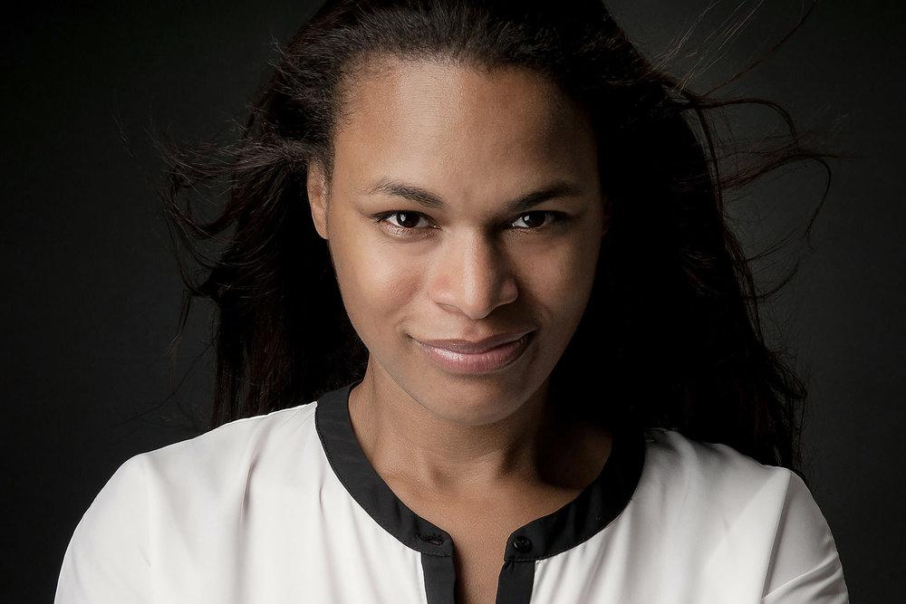 Headshot Portrait of Diana Thomas-Leduc in Geneva