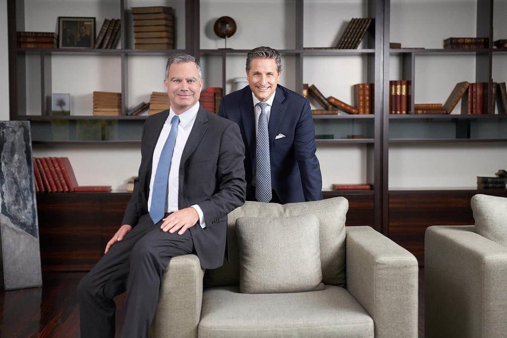 Portrait officiel des CEOS de la Banque Heritage à Genève et la Banque Sallfort à Bâle annonçant leur fusion.