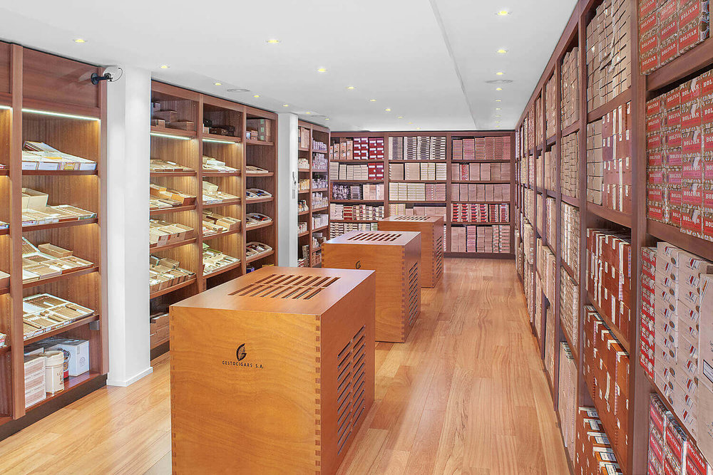 Commercial photography of the walk-in humidor of  Gestocigars  in Geneva