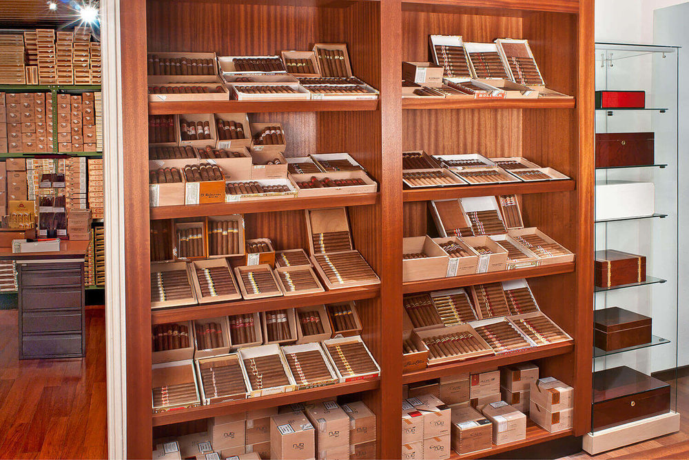 Showroom of the old location of Gestocigars.
