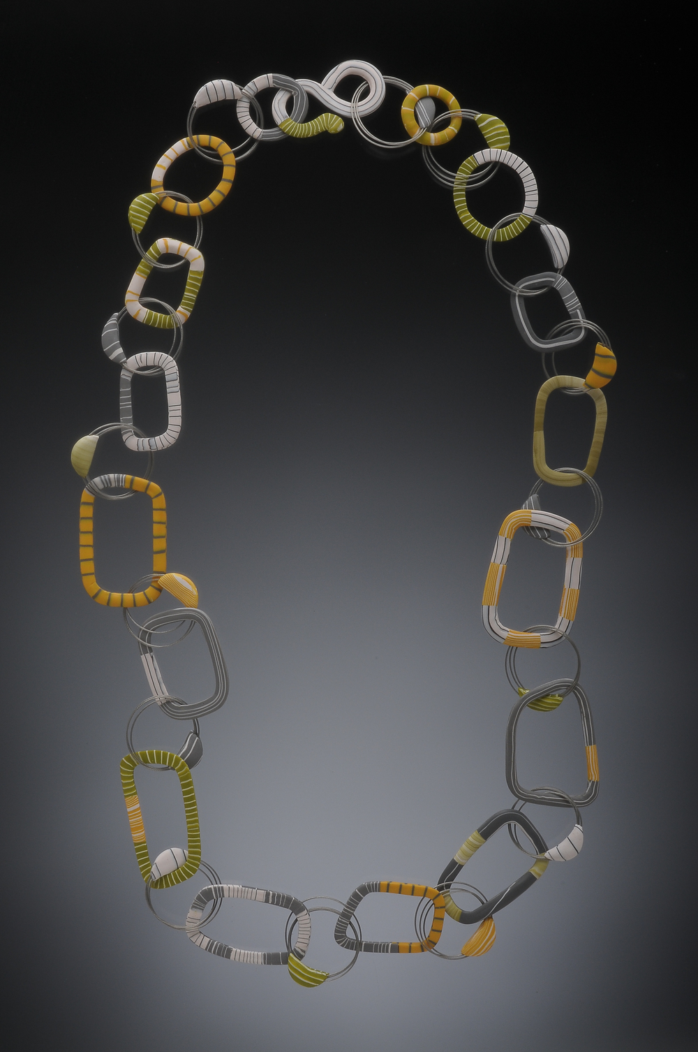 wire loop mixed graphic chain