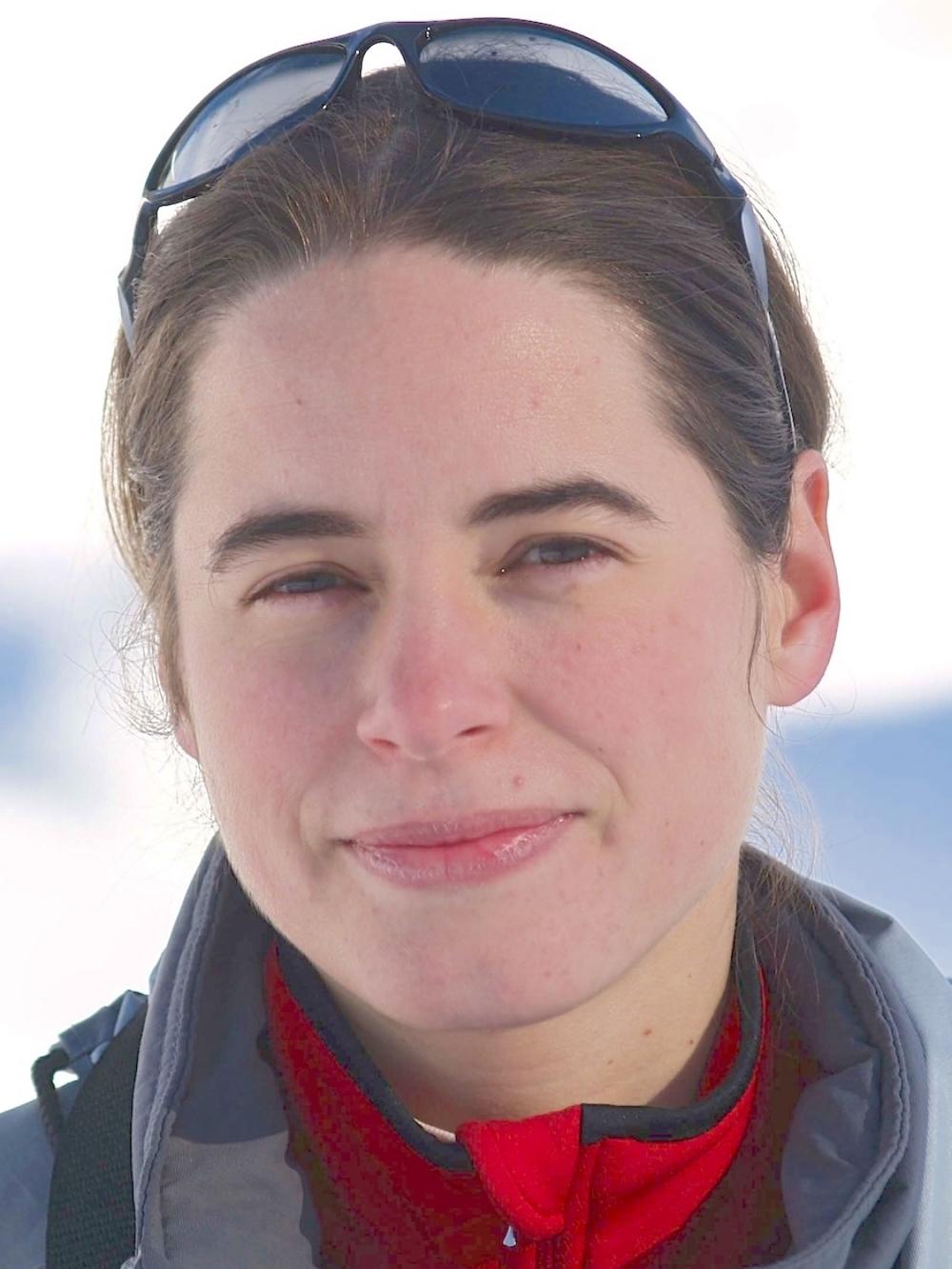 Karin Marinkovits,  Tierarztin, Chiropraktikerin für Kleintiere und Pferde