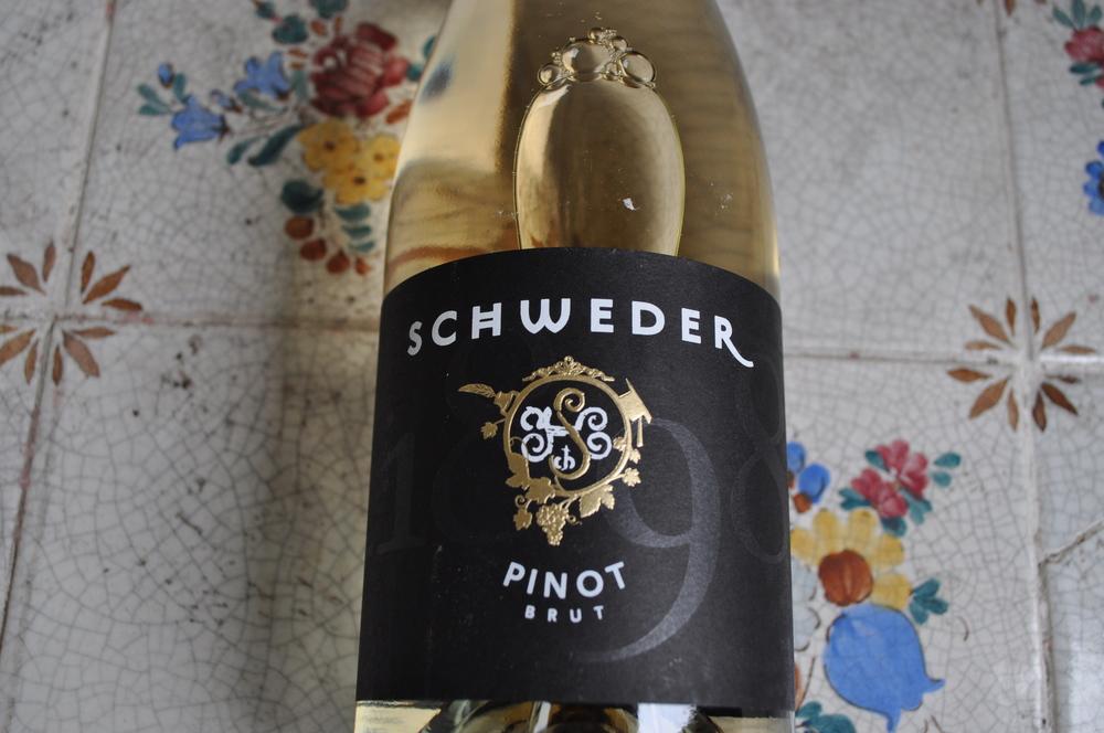 winzersekt-weingut-schweder-pinot-brut