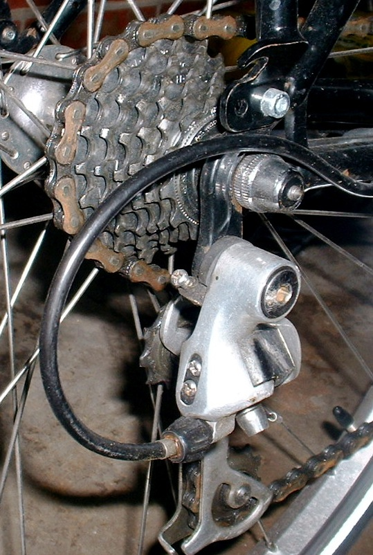 Rear gears (operated by right-hand shifter)