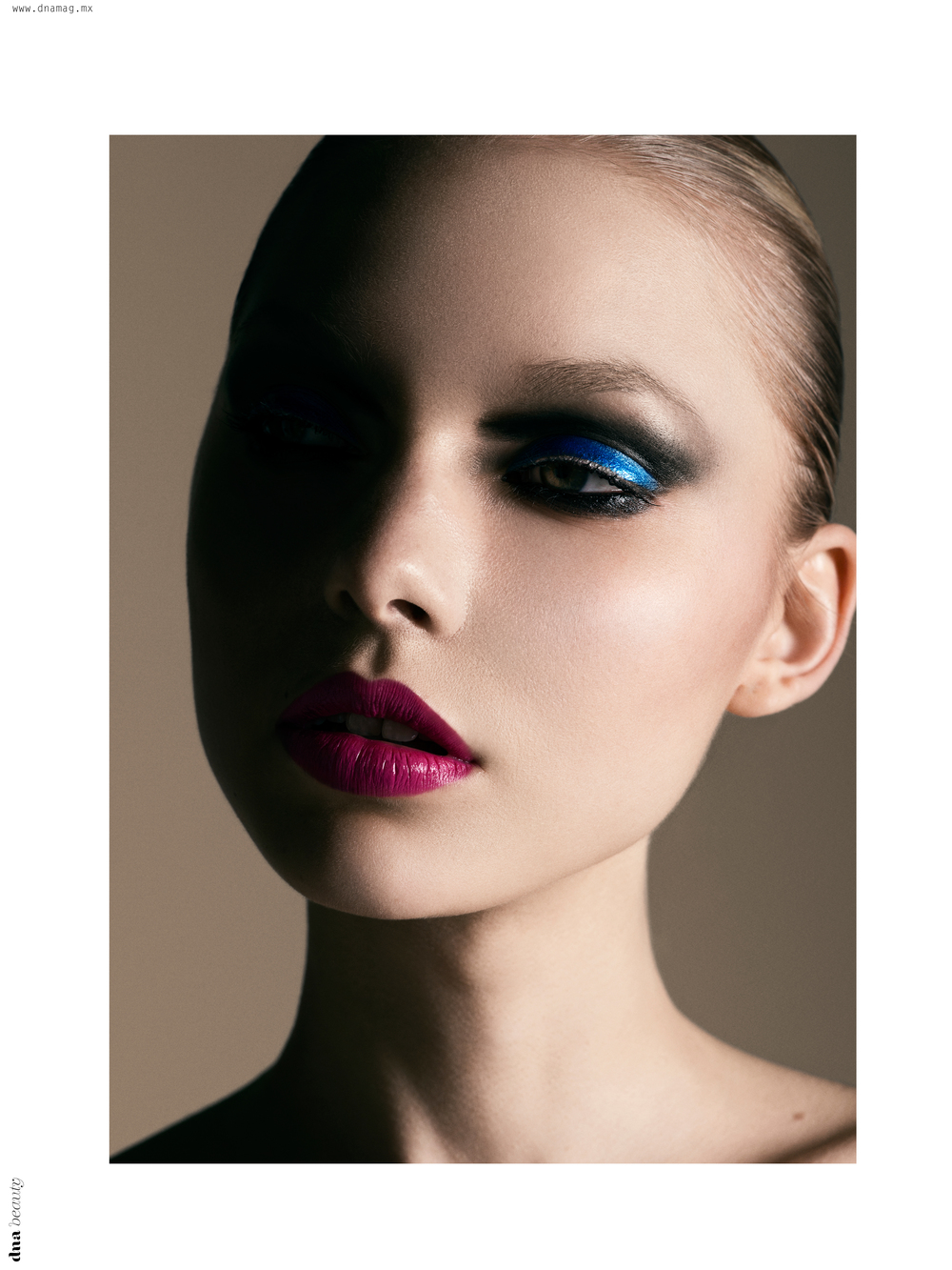 AlbeeFranson_makeup_redlips_graphic_smokeyeyes_blue_metalic_eyeshadow.jpg