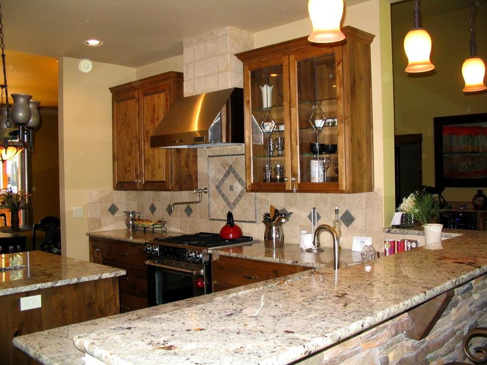 Royal Coachman kitchen.jpg
