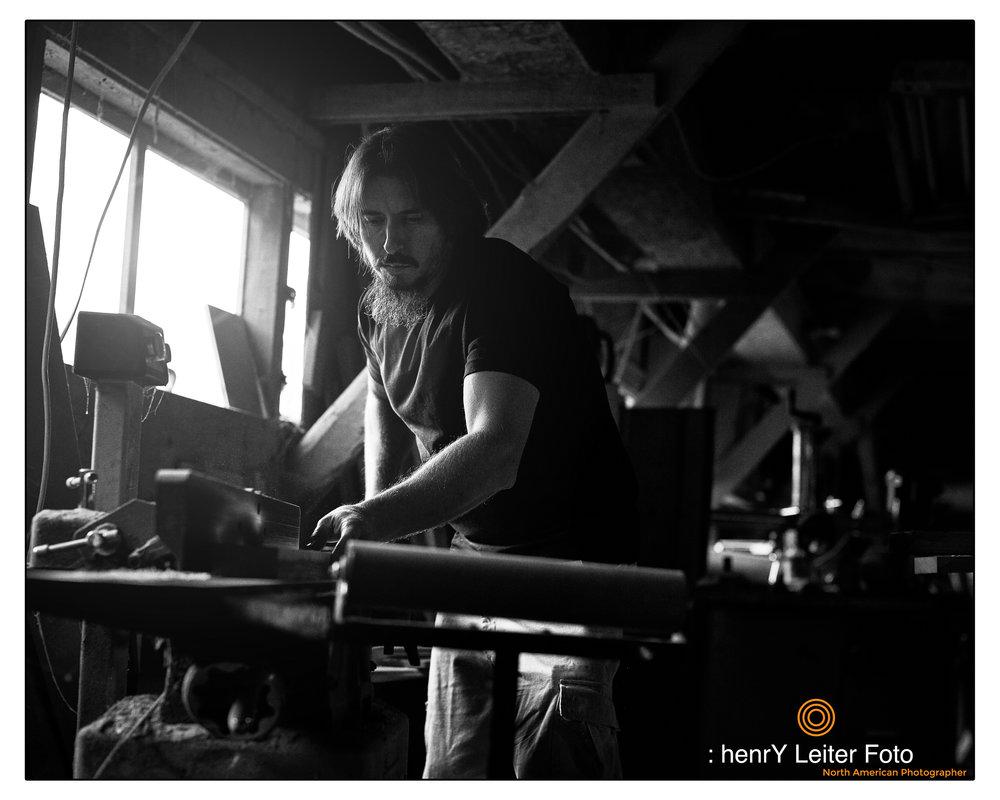 Portrait of the wood artist Jon Porter by photographer henrY Leiter