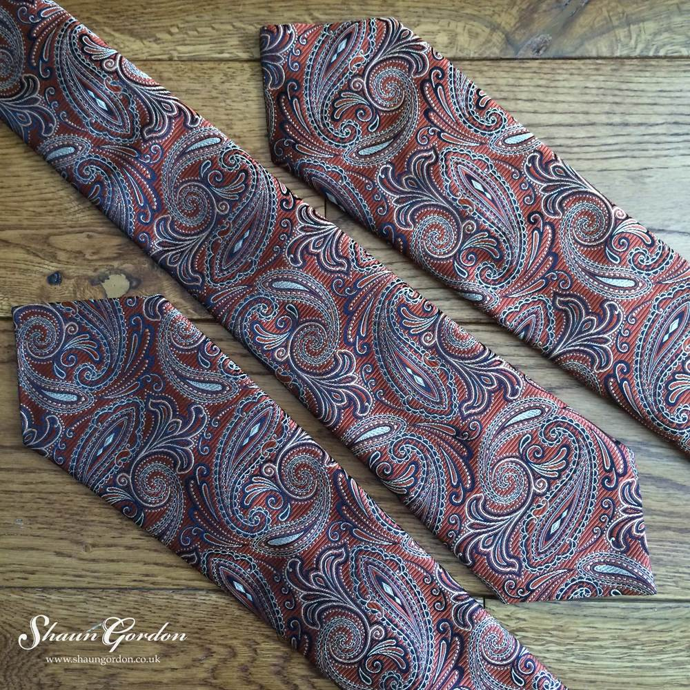 The Montgomery ties are for leaders because they need to be clearly seen for the followers to follow. Boldness is beautiful and attractive, especially when it has a paisley pattern. For someone who likes to wear colours such as navy and black would appreciate this tie because the black outlines we will match his suit, while the copper colour stands out tastefully. This will add a noticeable difference to your style positively.