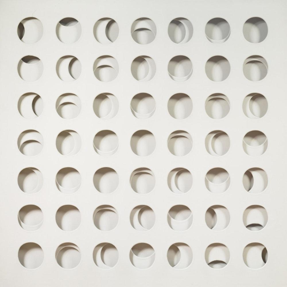 Paolo-Scheggi,-Intersuperficie-curva-bianca.