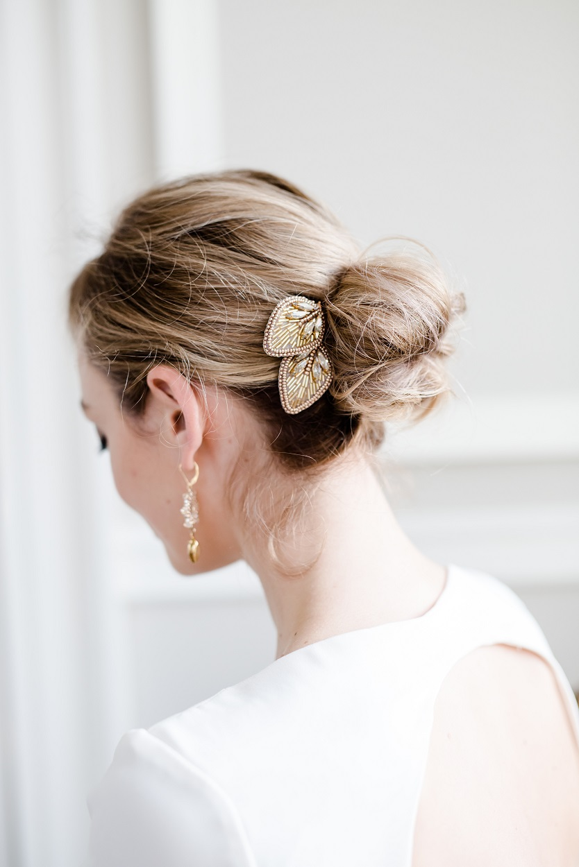 Peace comb gold hair up (1) sml.jpg