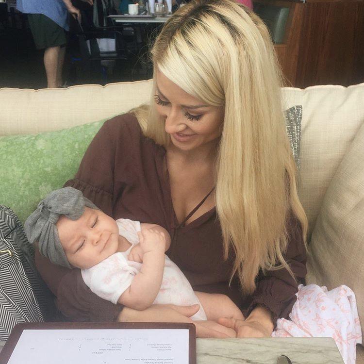Alexa-Jean-Brown-Baby-Blake