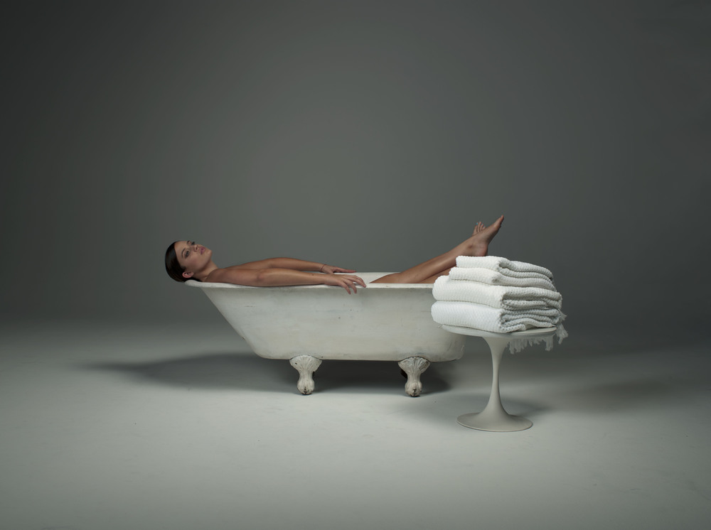 STELLA BATHTUB