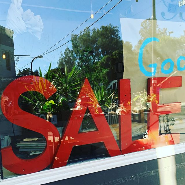 Final days #sale #saturdayshopping #vintageshop #baysidebusiness #baysidemelbourne #goodbyebrighton