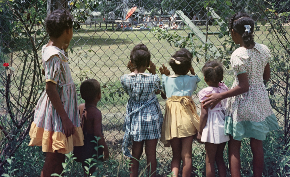 Gordon Parks, Outside Looking In, 1956, Mobile Alabama