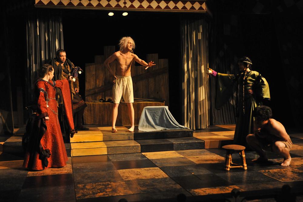 King Lear Under Light