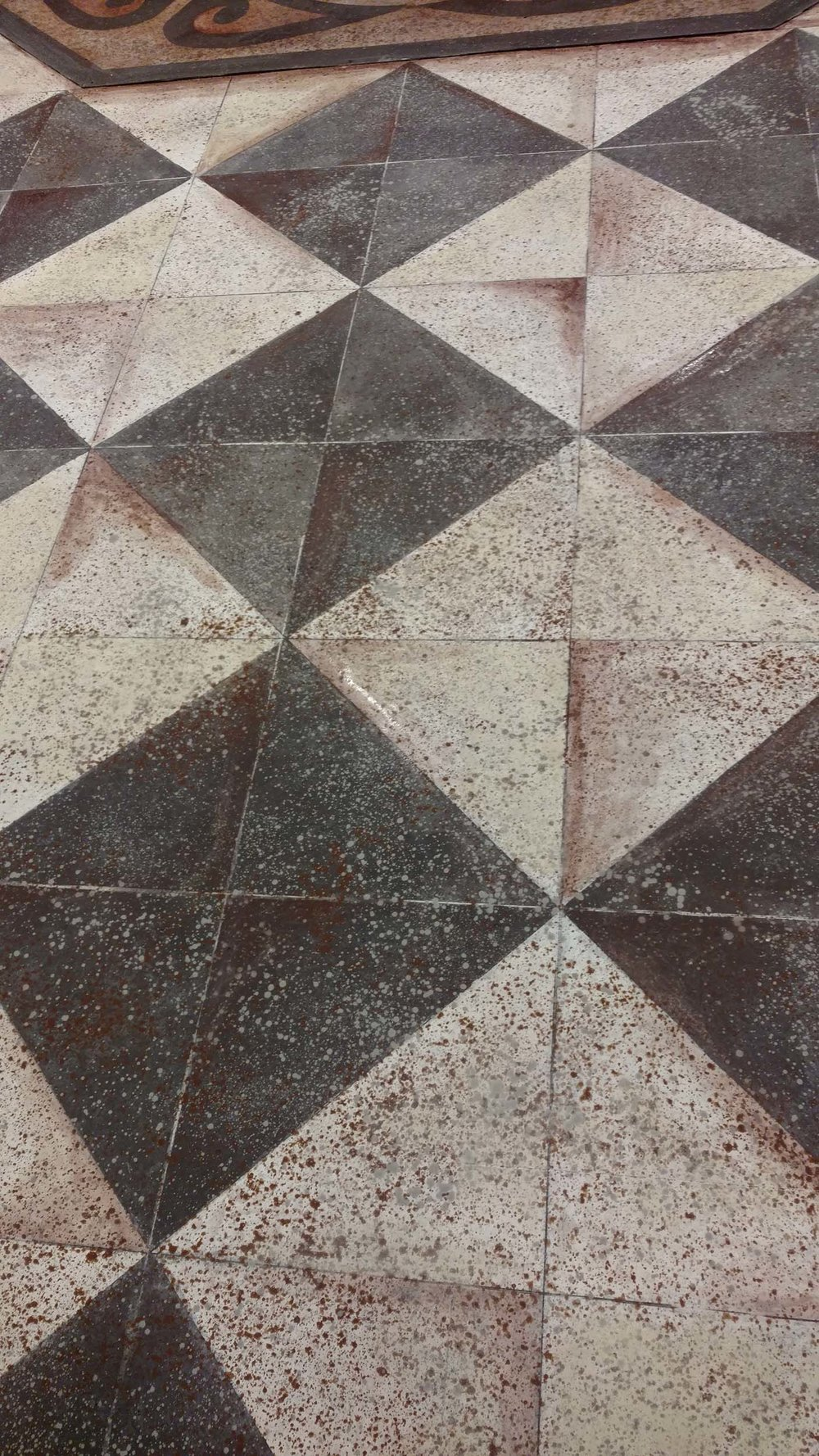 Diamond Pattern Detail