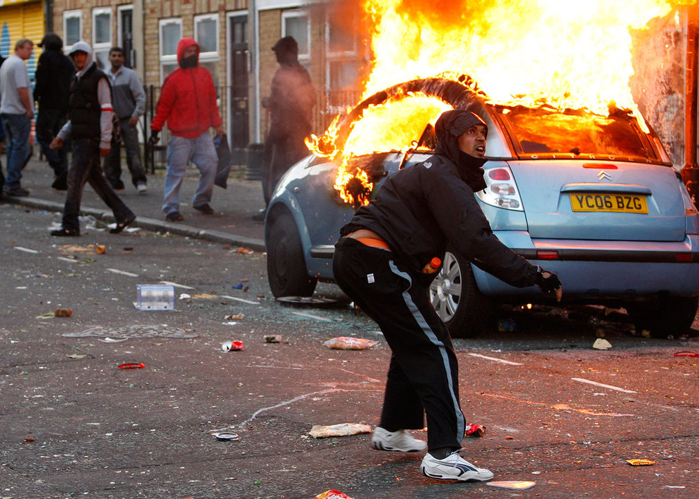police_london_riots_1500w.jpg