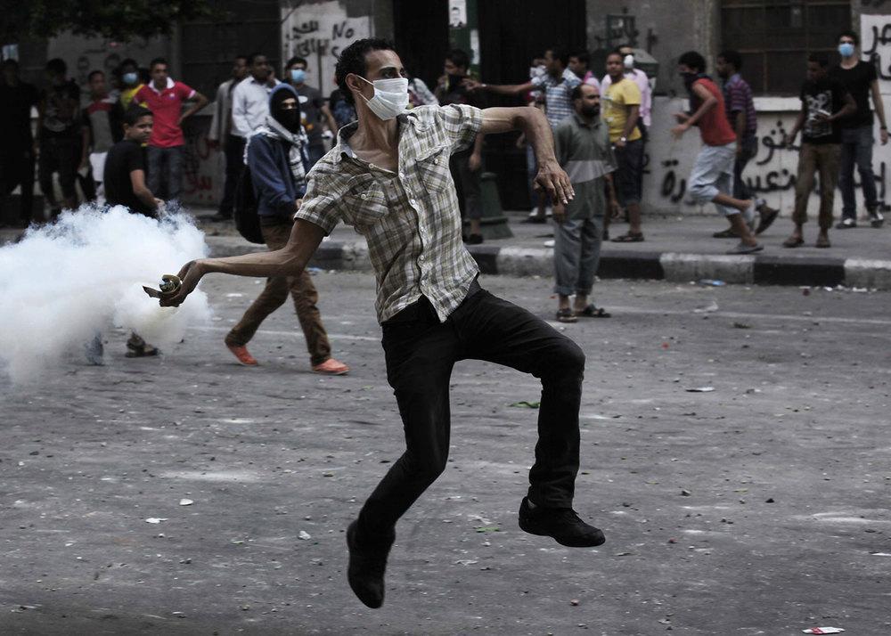 police_riot_mideast_egypt_1500.jpg