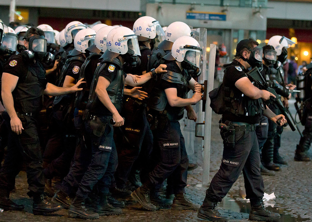 police_turkish_riot_1500w.jpg