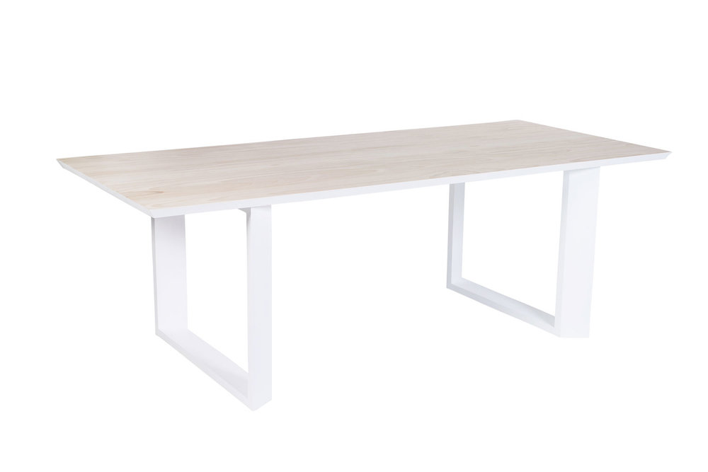 Kira_Kira_Hygge_Table_1500_Etch2.jpg