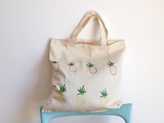 I love this summery tote - perfect for days at the retreat.
