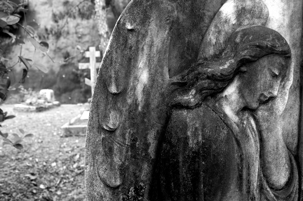untitled #95  [hong kong protestant cemetery, happy valley, hong kong, 2006]