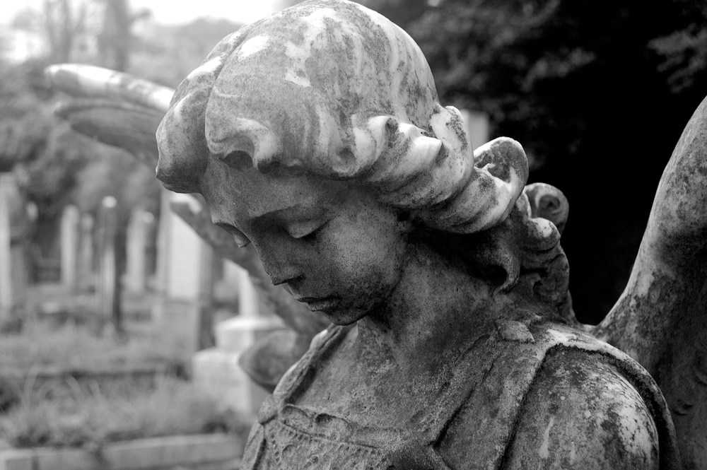 untitled #134  [hong kong protestant cemetery, happy valley, hong kong, 2006]