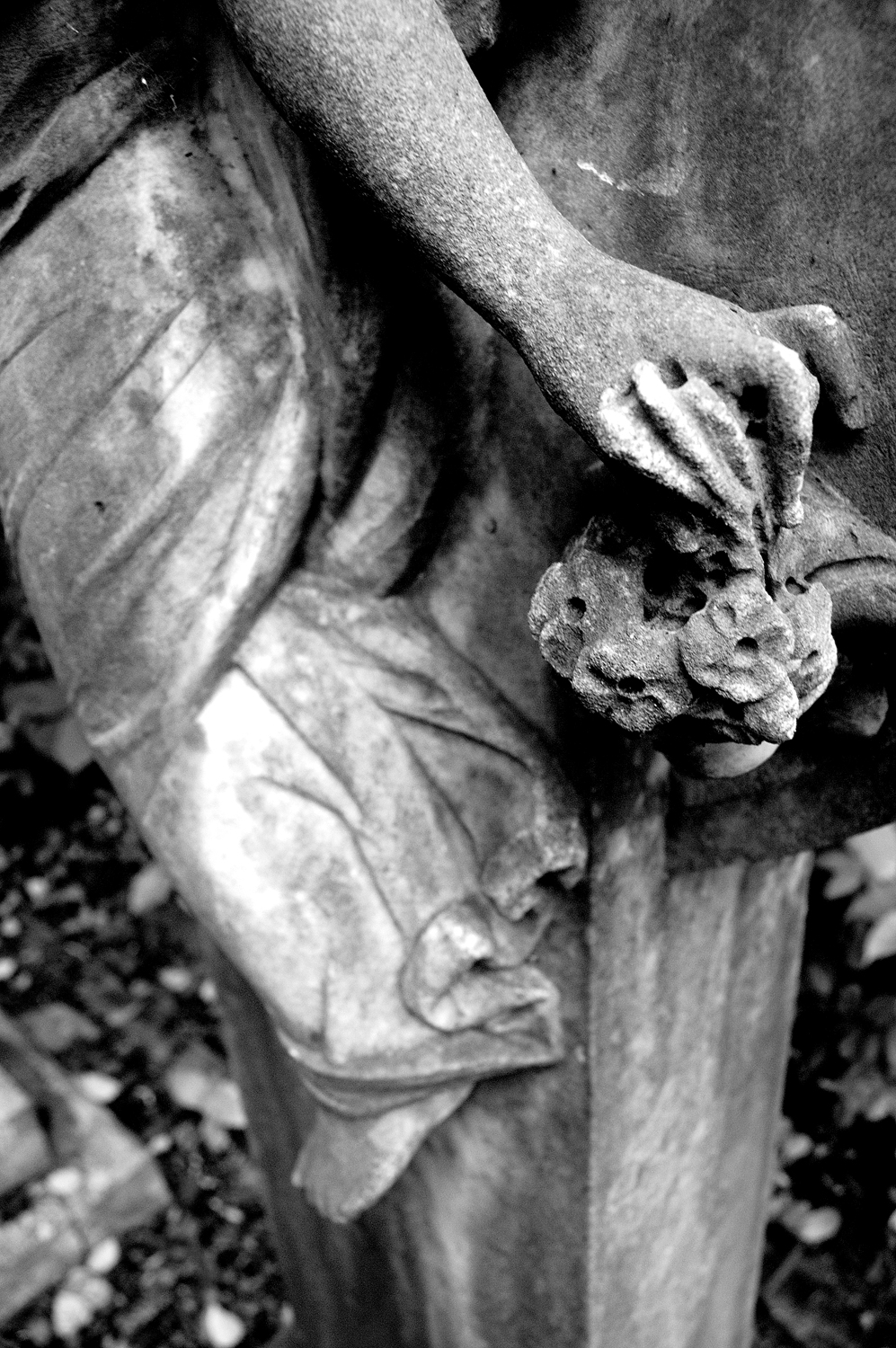 untitled #159  [hong kong protestant cemetery, happy valley, hong kong, 2006]