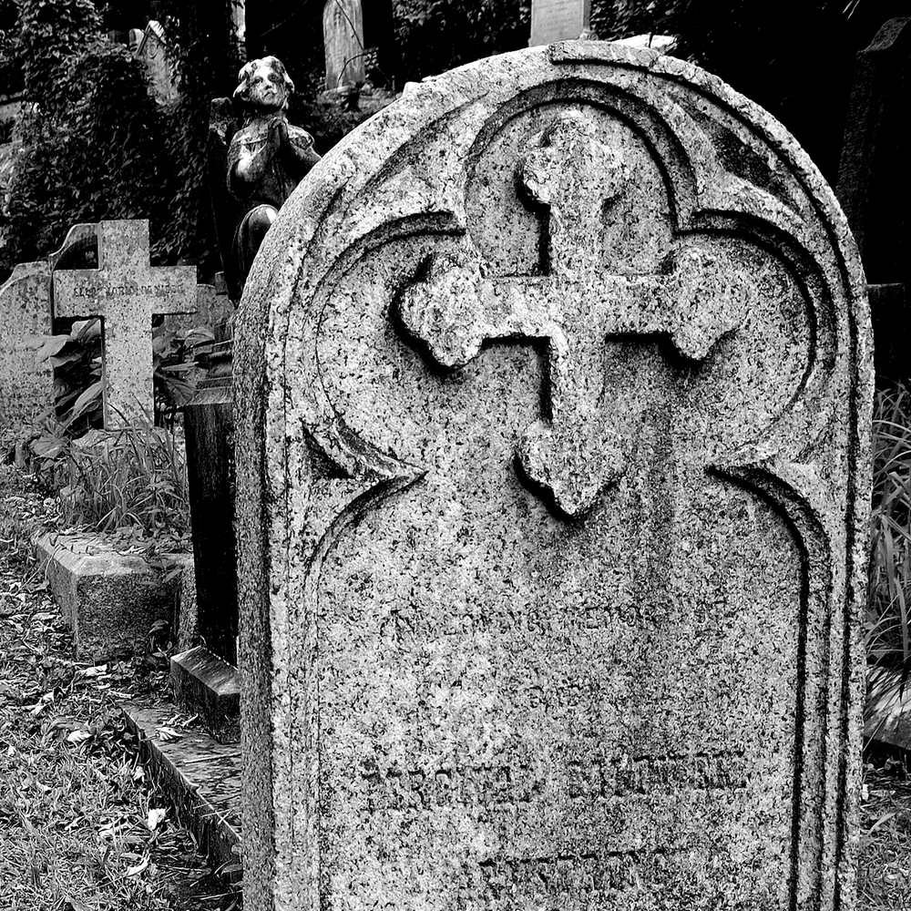 untitled #177  [hong kong protestant cemetery, happy valley, hong kong, 2006]