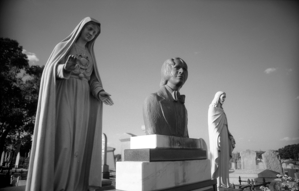 trio [melbourne general cemetery, parkville, victoria, australia, 2005]
