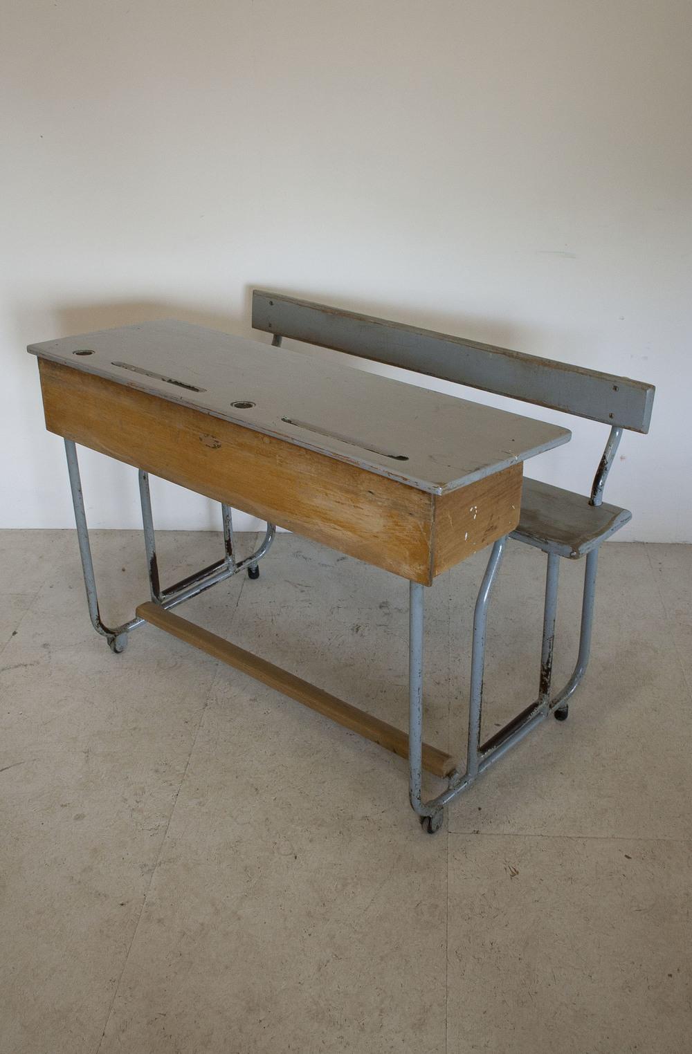Vintage tweepersoons schoolbank 1.JPG