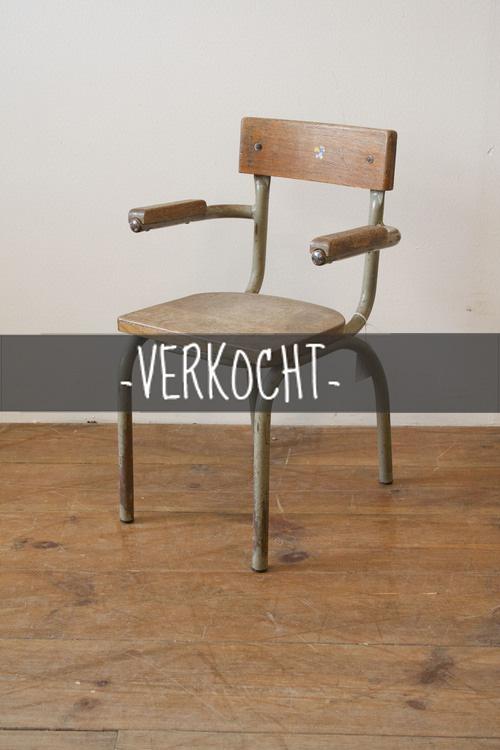 Schoolstoel+2.jpg