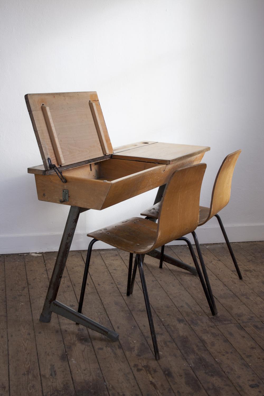 Vintage schooltafel met stoelen 4.jpg