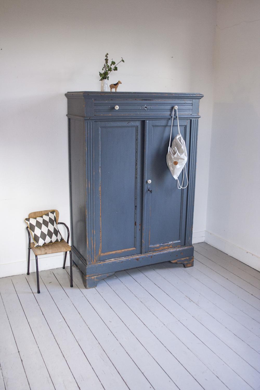 Blauwgrijze vintage meidenkast 4.jpg