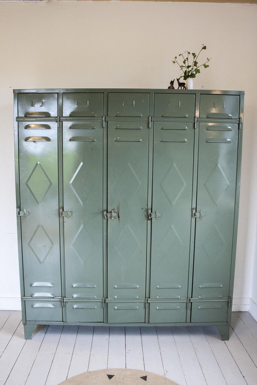 Vintage locker 1.jpg
