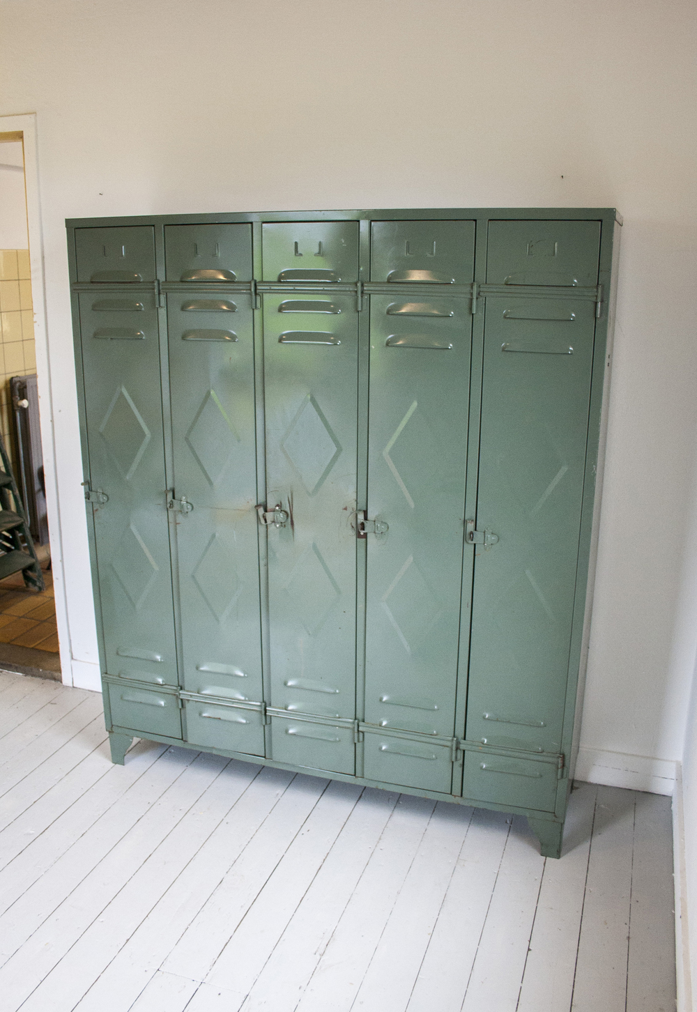 Vintage locker 6.jpg