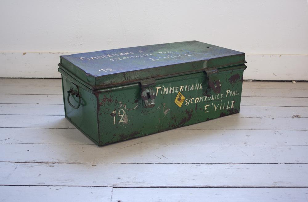 Groene metalen kist_1.jpg