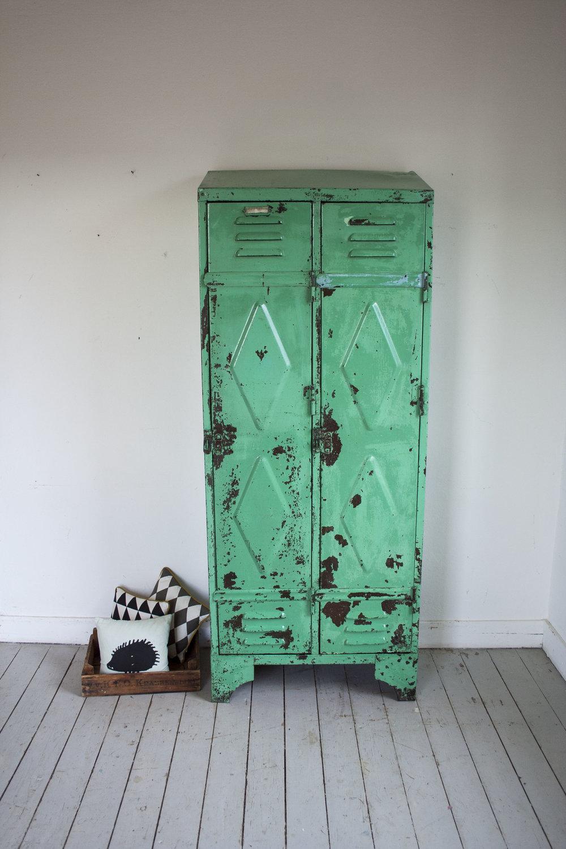 mintgroene locker 2 deuren_1.jpg