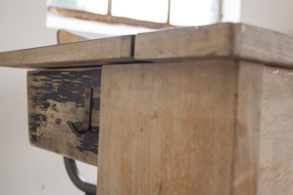 Groter houten schoolbankje formicablad_4.jpg