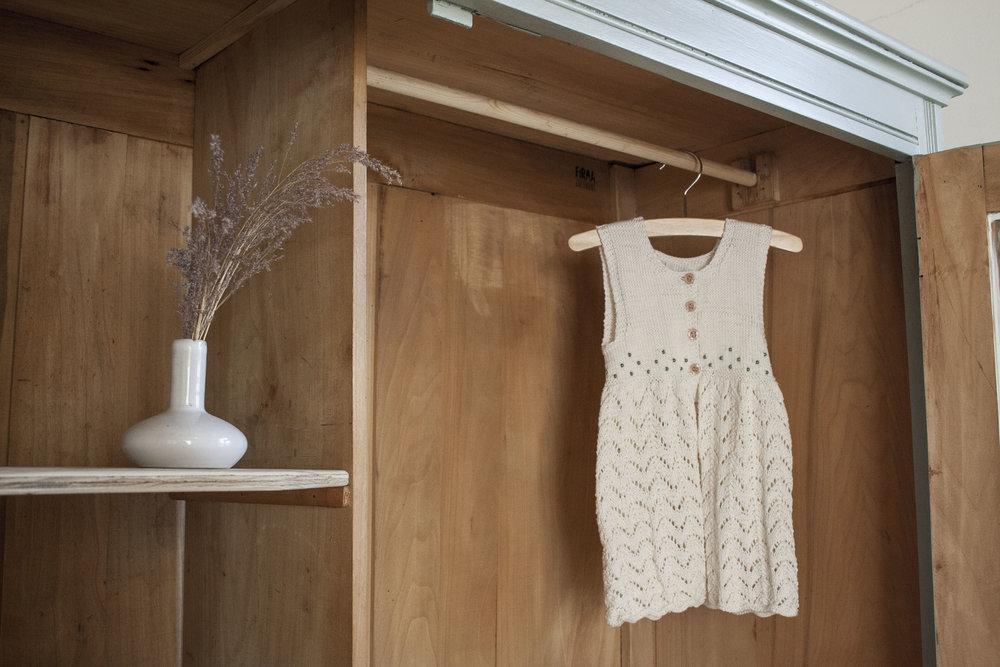 Grijsgroene kledingkast met ruitjes - Firma Zoethout_4.jpg