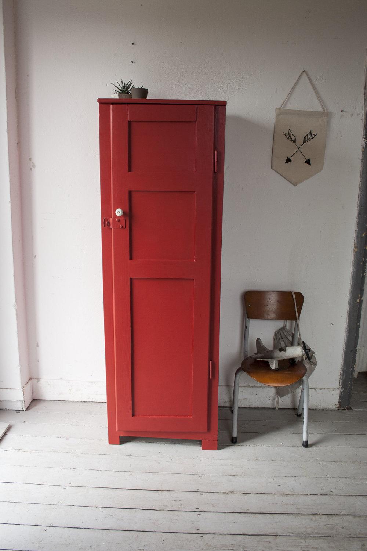 Rode houten locker - Firma Zoethout.jpg