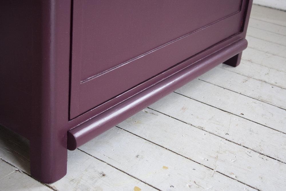 _Aubergine rode kast 1 deur- Firma Zoethout_4.jpg