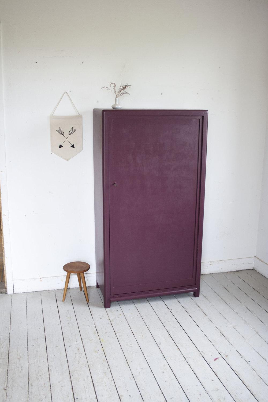 _Aubergine rode kast 1 deur- Firma Zoethout_1.jpg