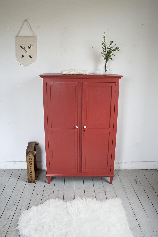 Rood vintage kastje - Firma Zoethout.jpg