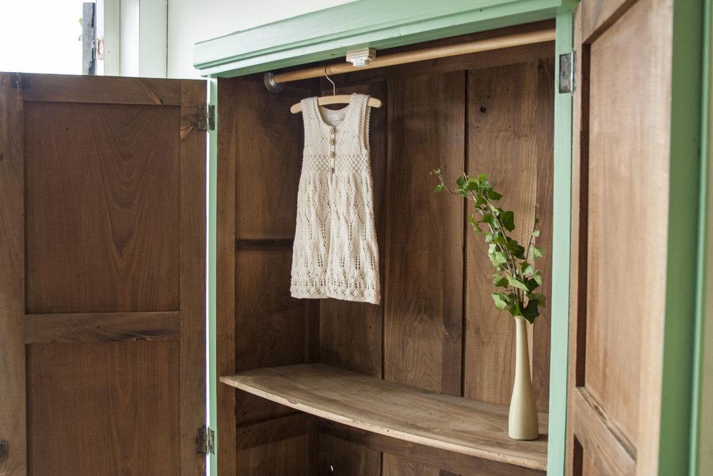 Frisgroene vintage kledingkast - Firma Zoethout_5.jpg